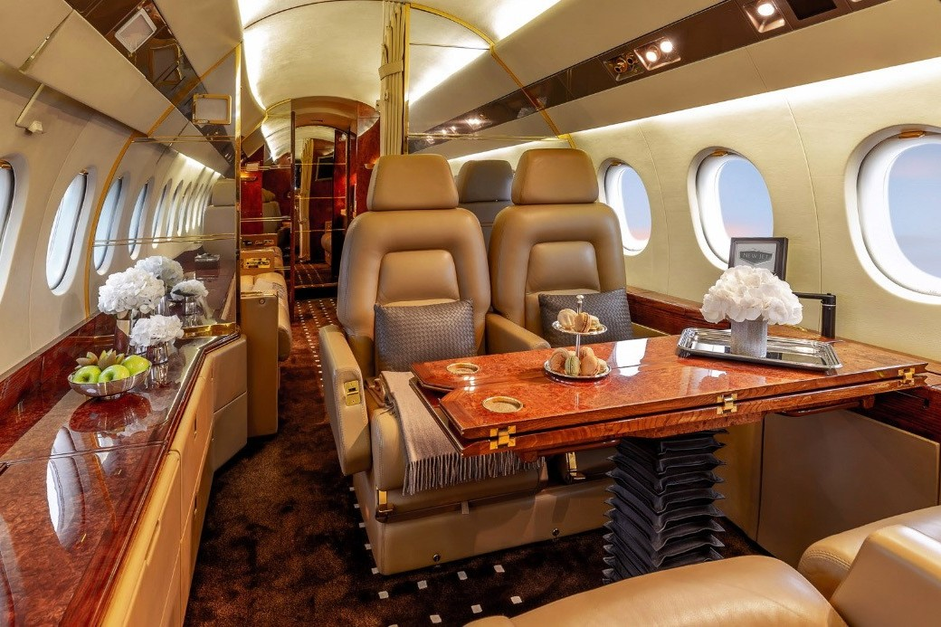 How much does it cost to charter a private jet: prices. 1992 Falcon 900B with a new interior and avionic, Nice, France, price on request.