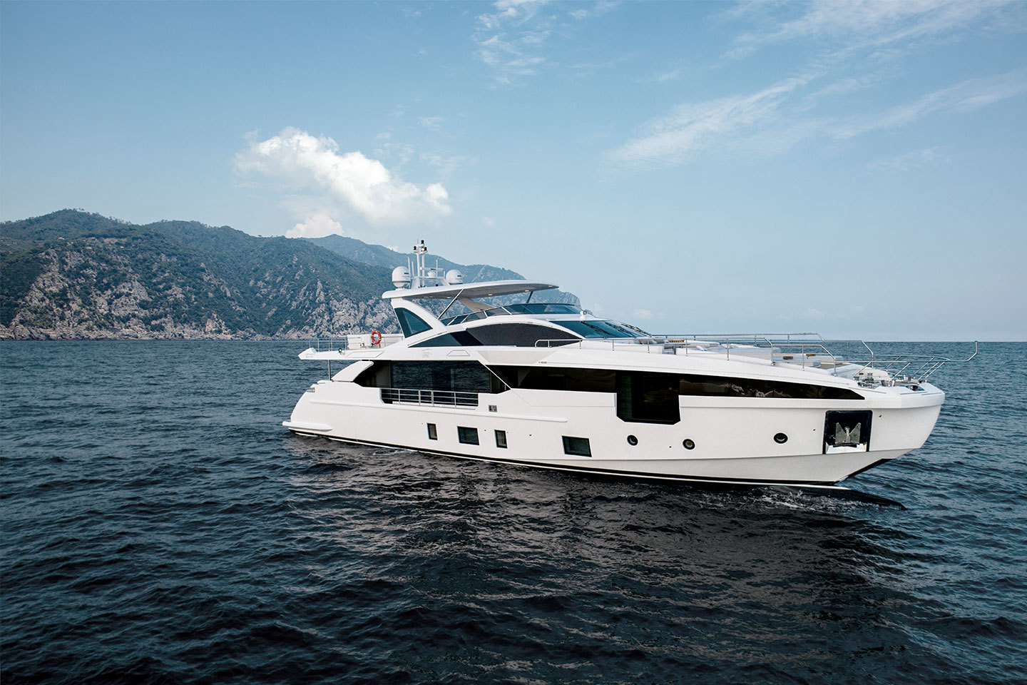 Cannes Shortlist: Top 5 Superyachts from the Yachting Festival ()