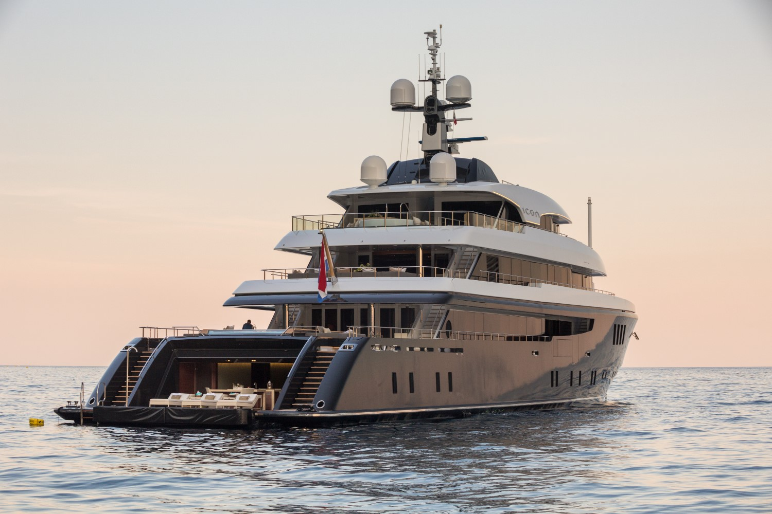 A Look Inside Superacht – Luxury yachts and boats ()