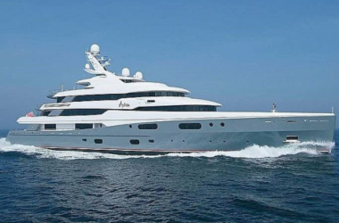 British Billionaire Buys Right to Dock His Yacht in London