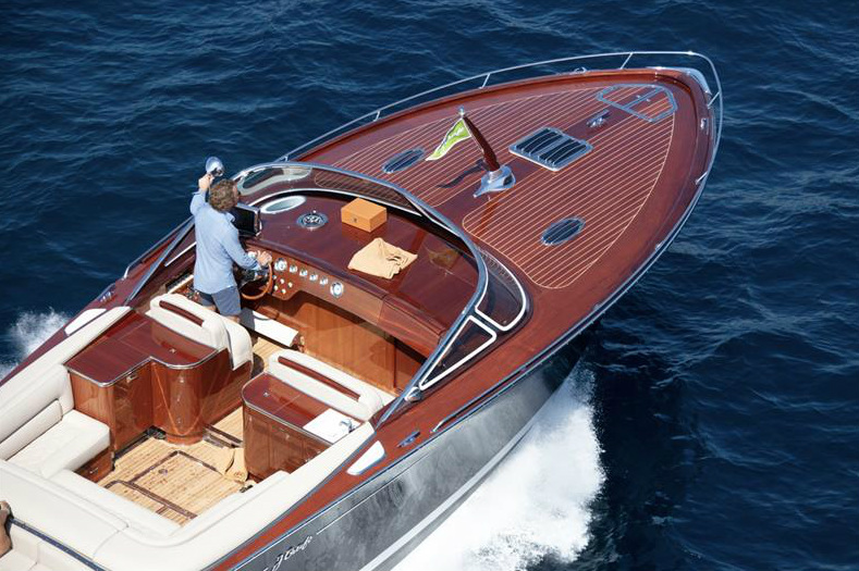 Bentley on Water: 4 Reasons to Buy a J Craft Torpedo ()