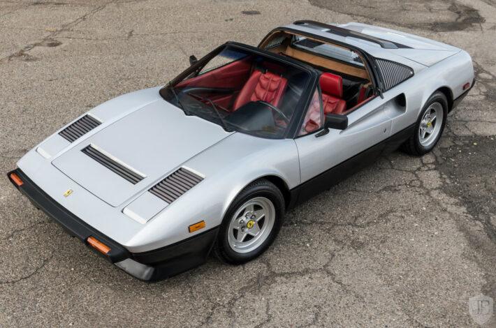 Ferrari_308_-1