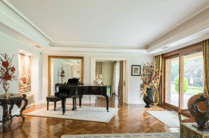 luxury real estate and villas in Madrid-Elegant Property-1