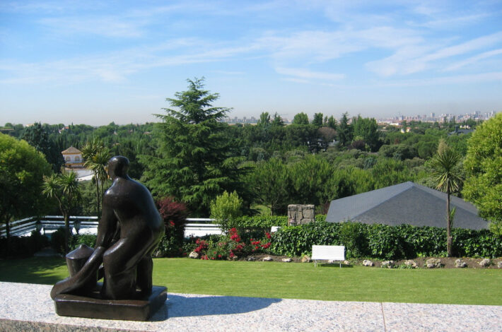 luxury real estate and villas in Madrid-Modern Property-1