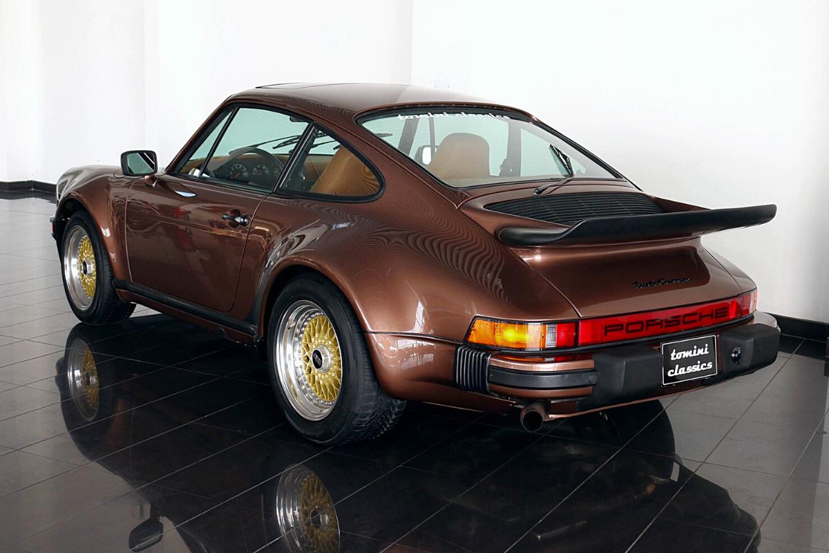 A Vintage Porsche 911 with a price $90,000: Porsche 930 1976