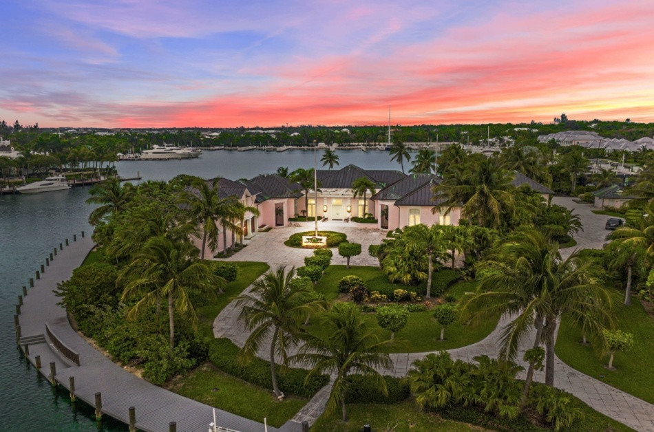 Luxury gated communities in the Bahamas: the 5 most expensive residential areas