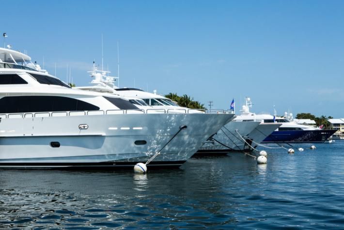 # 4 YachtClub_low