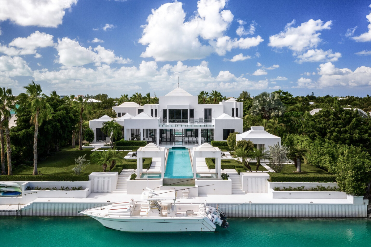 Modern castle houses: Canal-front modern house in Leeward, Turks and Caicos (US $3,995,000).