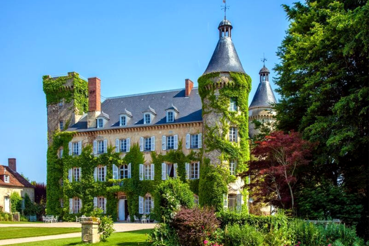 Modern castle houses: Fairytale castle dating back to the late 13th century in the beautiful Auvergne, close to Montlu, France (US$1,056,696).