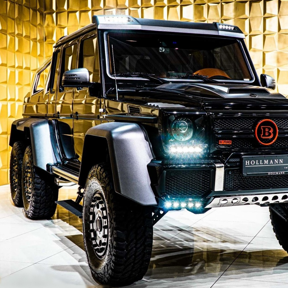 Modified, limited edition Mercedes G-Wagon - 2015 Mercedes-Benz G-Class 6x6 Brabus 700