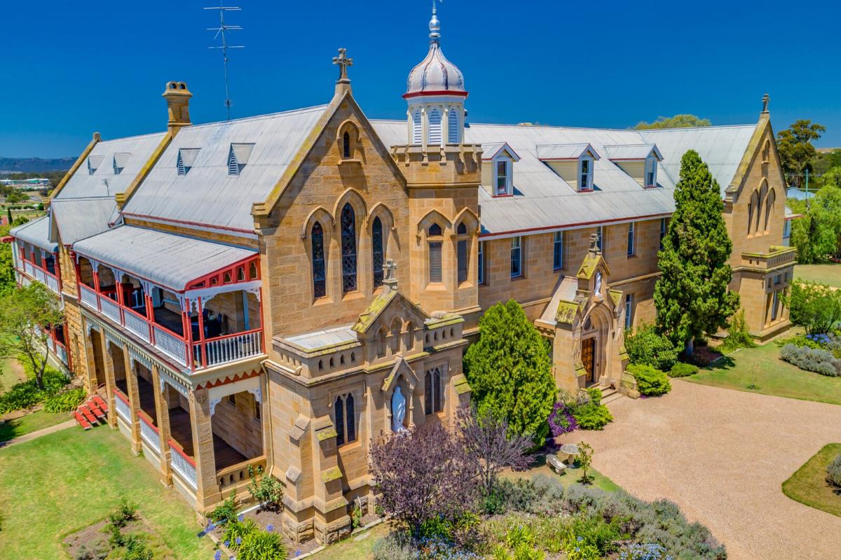 Castle-like homes: Castle in bear Brisbane, Australia (price on request).