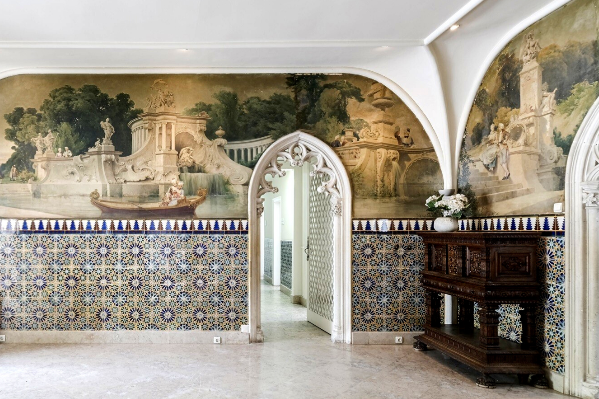 Castle-like homes: Palace in Lisbon, Portugal (US$8,176,124).