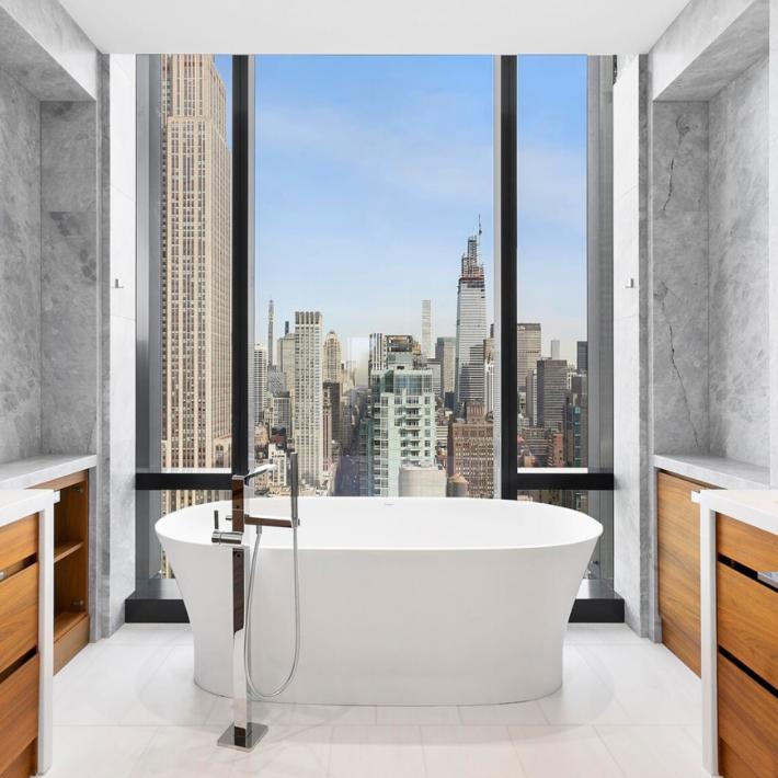 An apartment on 5th Avenue in New York City, a bathroom