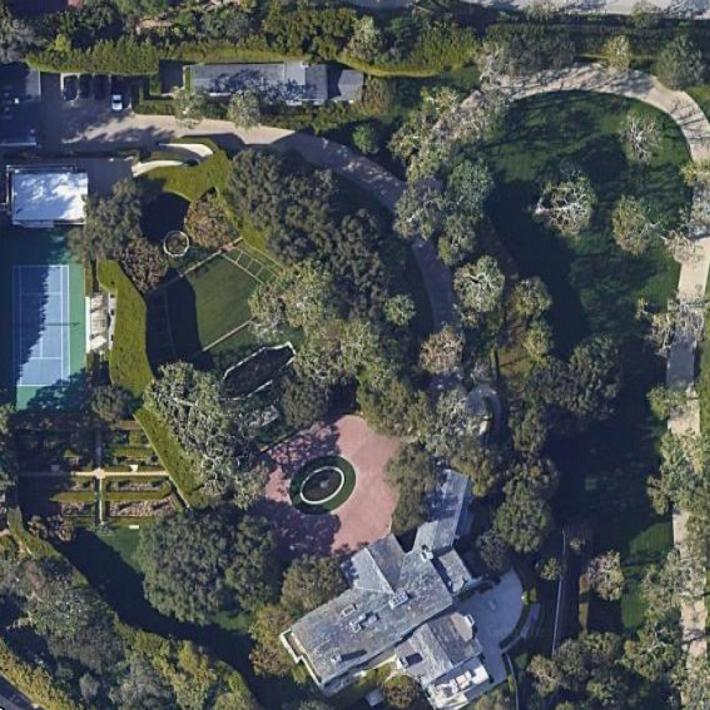 Bezos' Beverly Hills estate, image by Google Maps