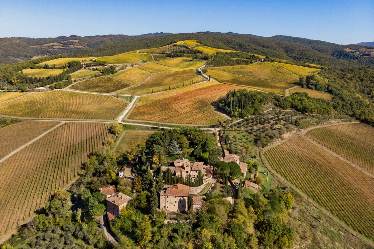 Top luxury real estate companies: glamorous property in Tuscany, Italy for sale by real Soteby's brokerage