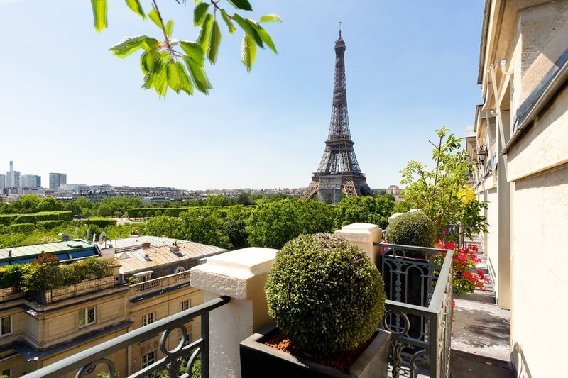 Best luxury real estate agecies: home in Paris for sale by Christies brokerage
