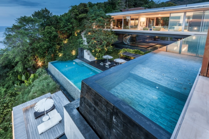 Best infinity pools in the world: one of the best infinity edge plunge pools located in a villa in Thailand, the concentration of the best infinity pools with a view in the Asia.