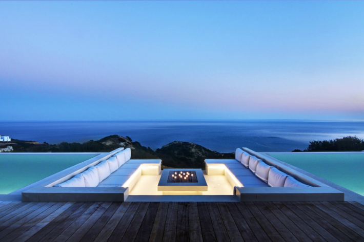 Best infinity pools in the world: one of the best infinity edge plunge pools located in a villa in Greece, the concentration of the best infinity pools with a view.