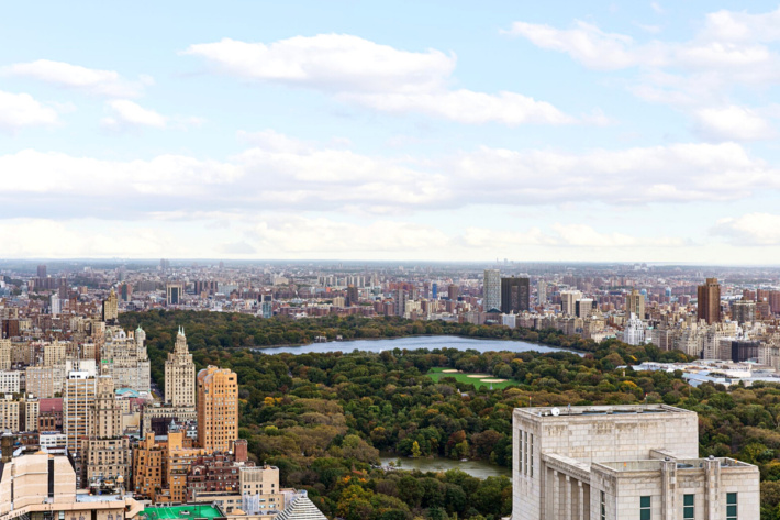 First time in the market: penthouse for sale by luxury real estate brokerage Compass Upper East Side, NYC, US