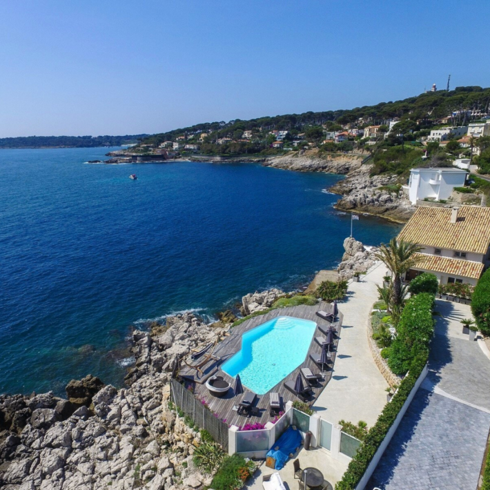 Best places to live in French Riviera: seafront villa in Cap d