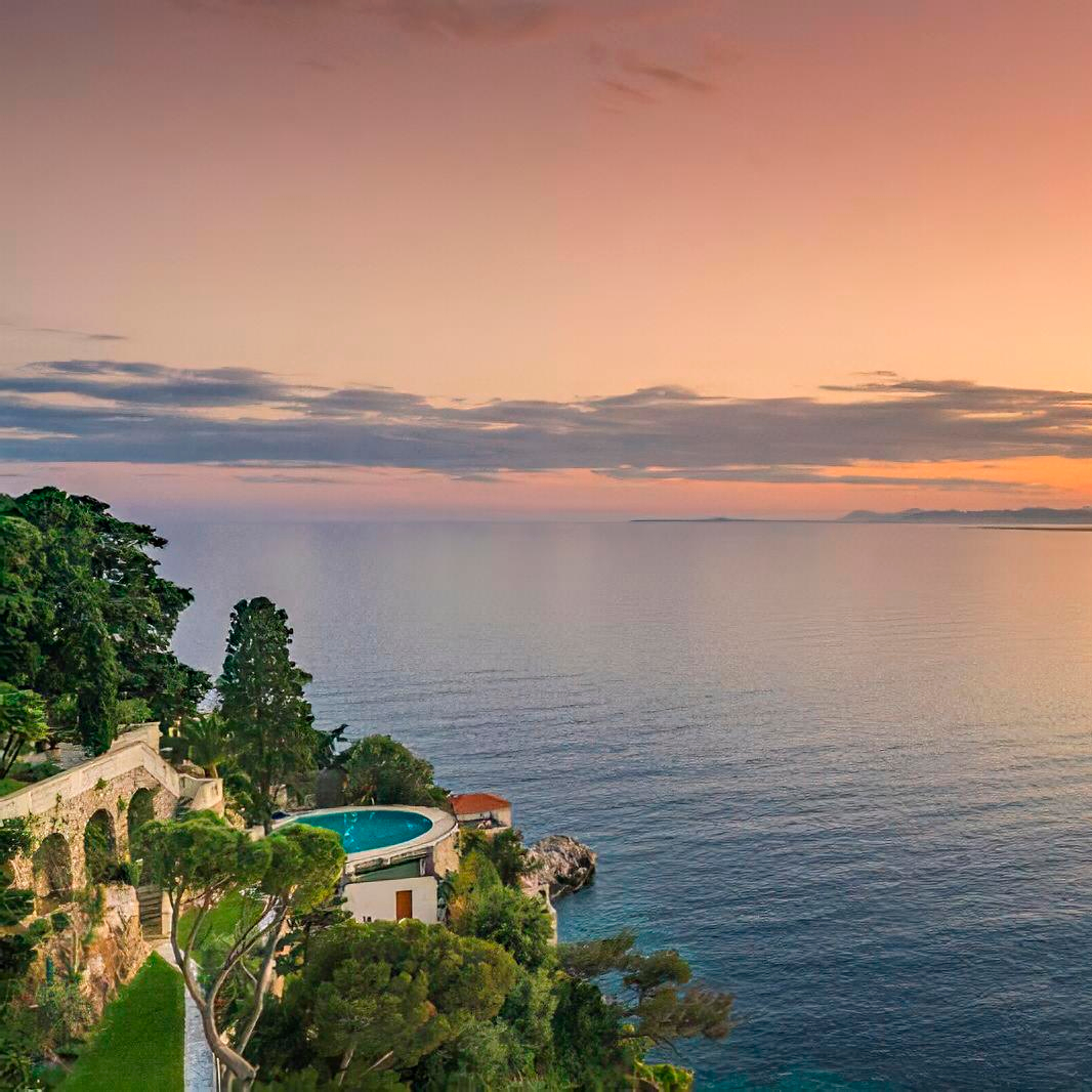 Sean Connery' house for sale - and moes next door in Nice, France