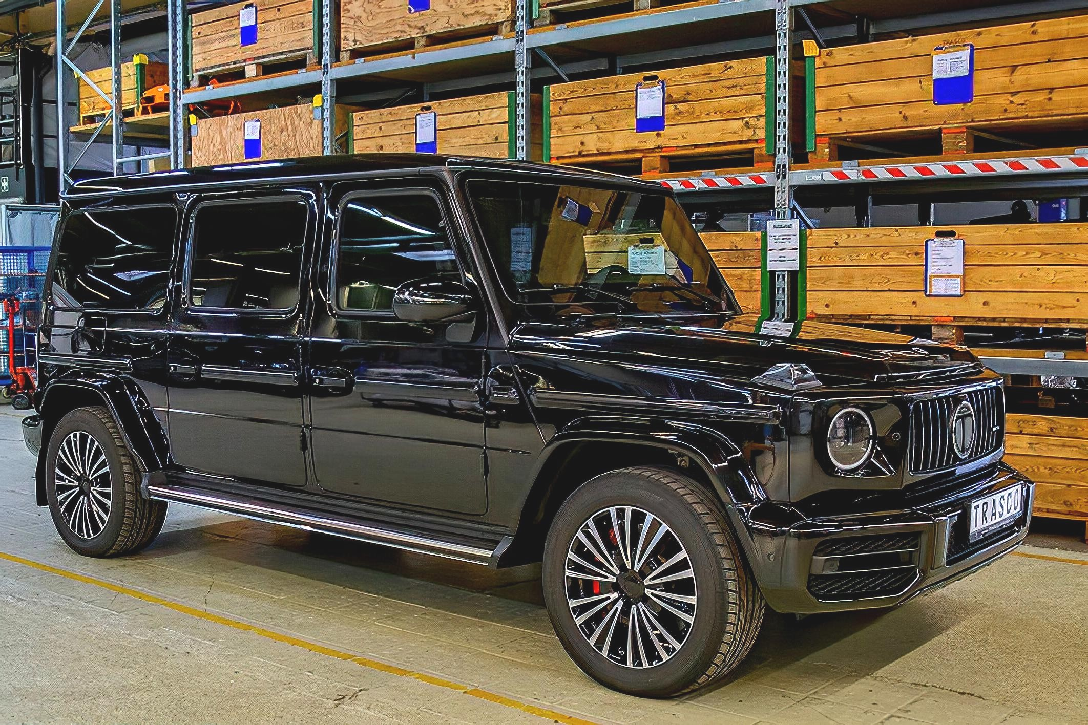 State-of-the-art armored cars: from Mercedes to Rolls-Royce and Aston Martin ()