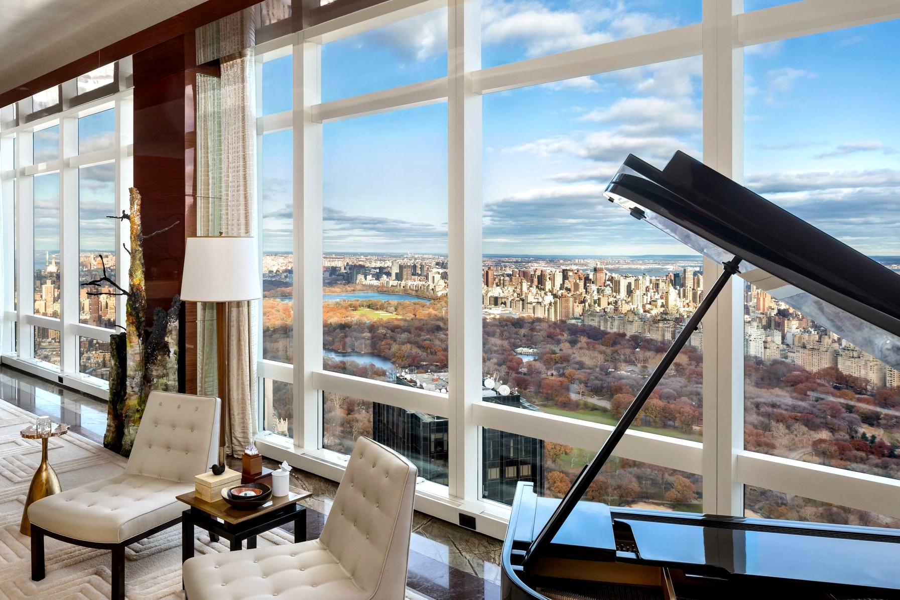 Most epxnesive penthouse apartments in the world: NYC and Dubai
