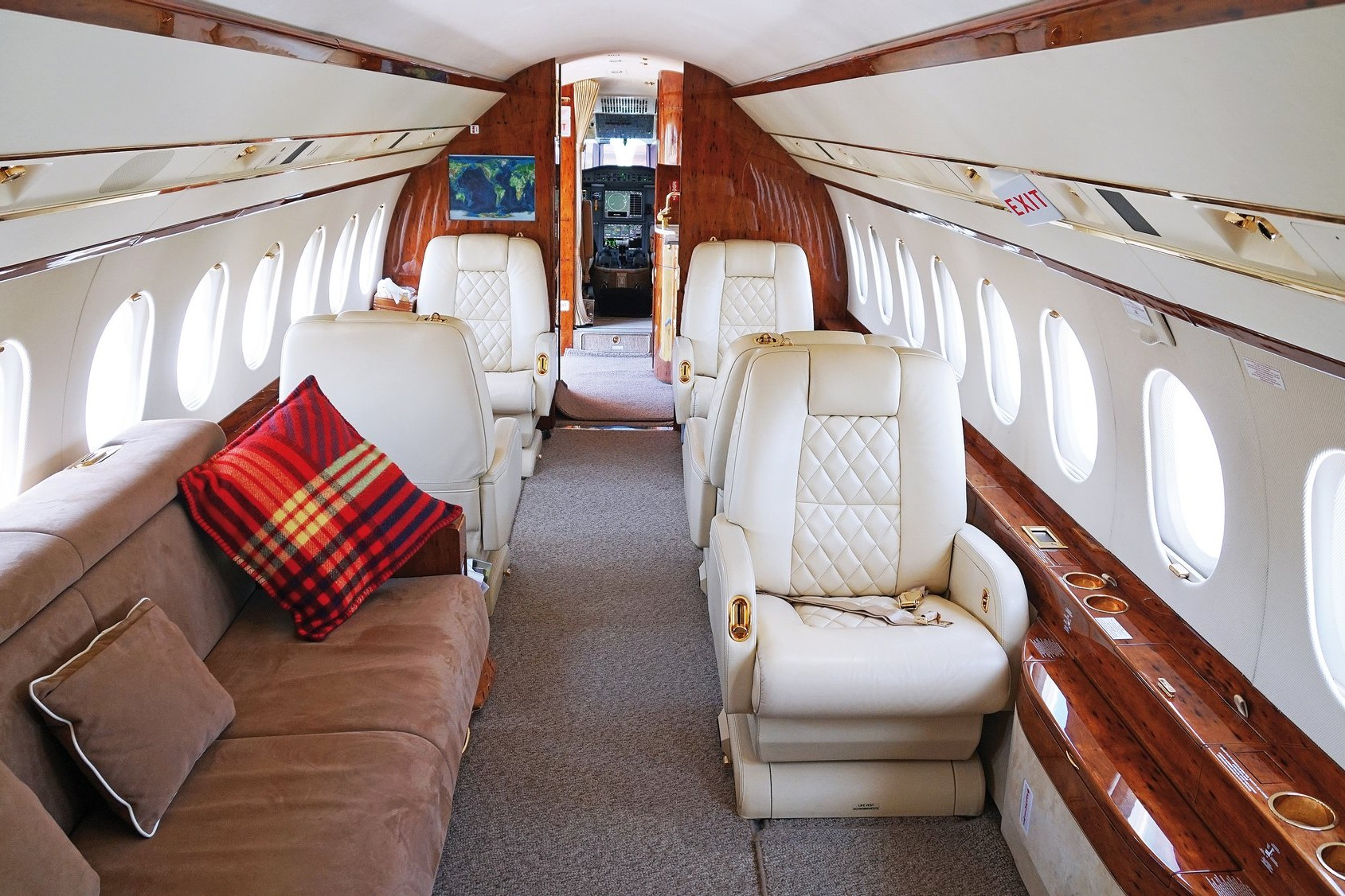 2020 luxury private 737 jet with 2 bedrooms