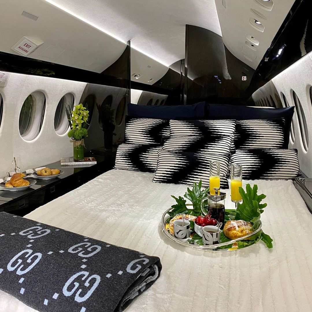 Best private jets with bedrooms with the most expensive decoration: 1000E