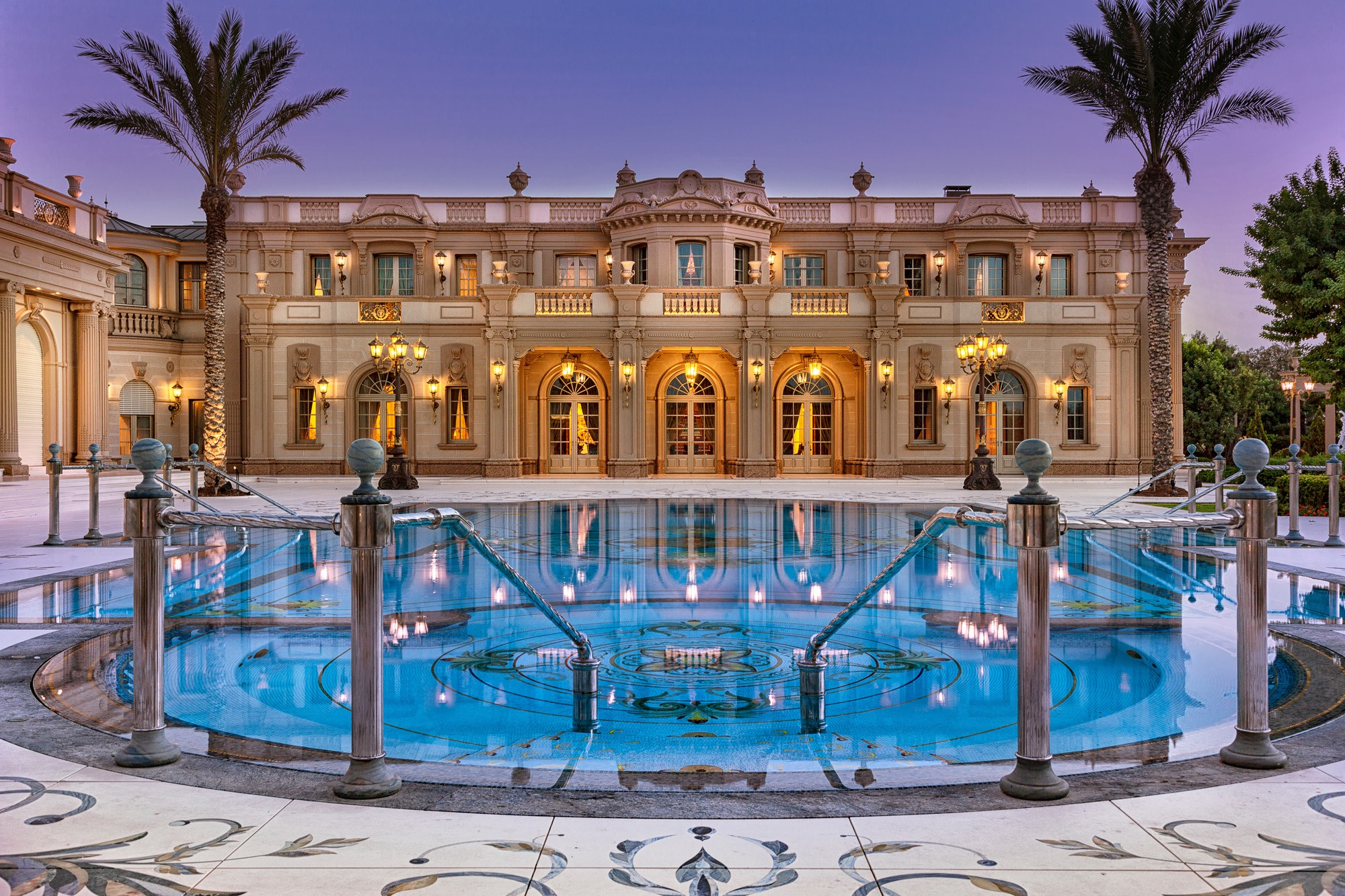 The best modern mansions in the world: the top 10 richest estates with classy architecture and fancy amenities