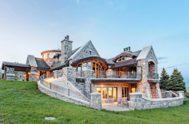"Best of Instagram: the 12 most ""liked"" mansions, yachts, and supercars"