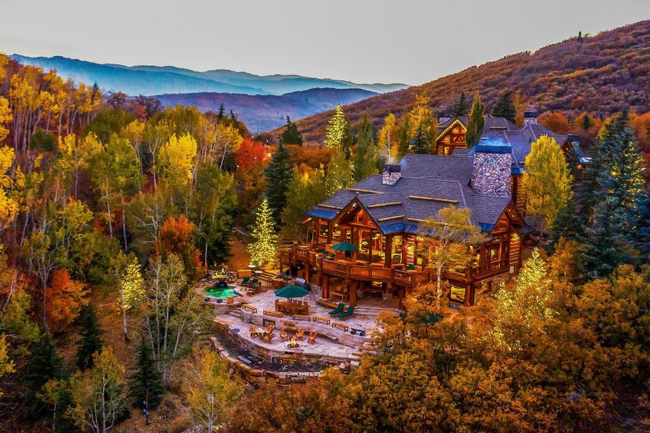 Luxury mountain homes in North Georgia mountains, Tennessee mountains