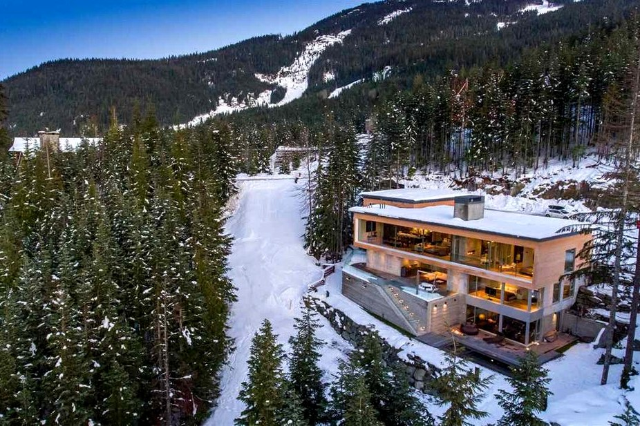 Milford sound lodge and mountain view chalets in Dove mountains, az and in Black mountain nc
