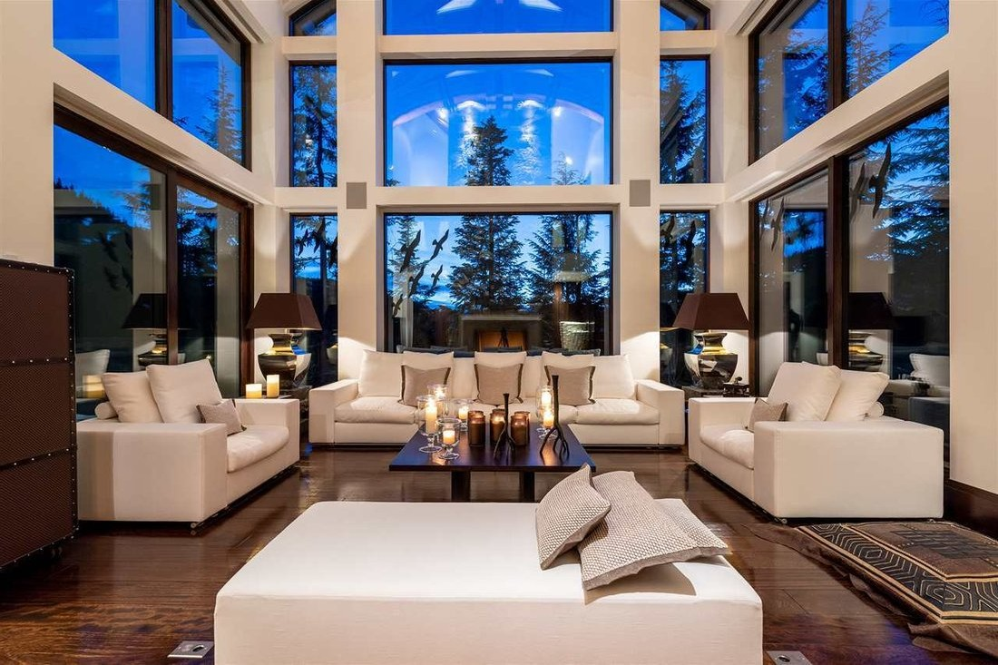 Luxury mountain homes in Dolomites, Italy for nordic skiing: chalet St Vigilio di Marebbe in South Tyrol