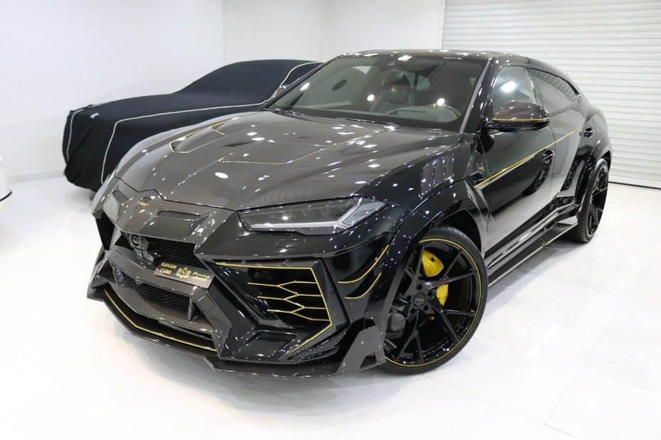 The most expensive luxury SUV: 2021 Lamborghini Urus by Mansory.