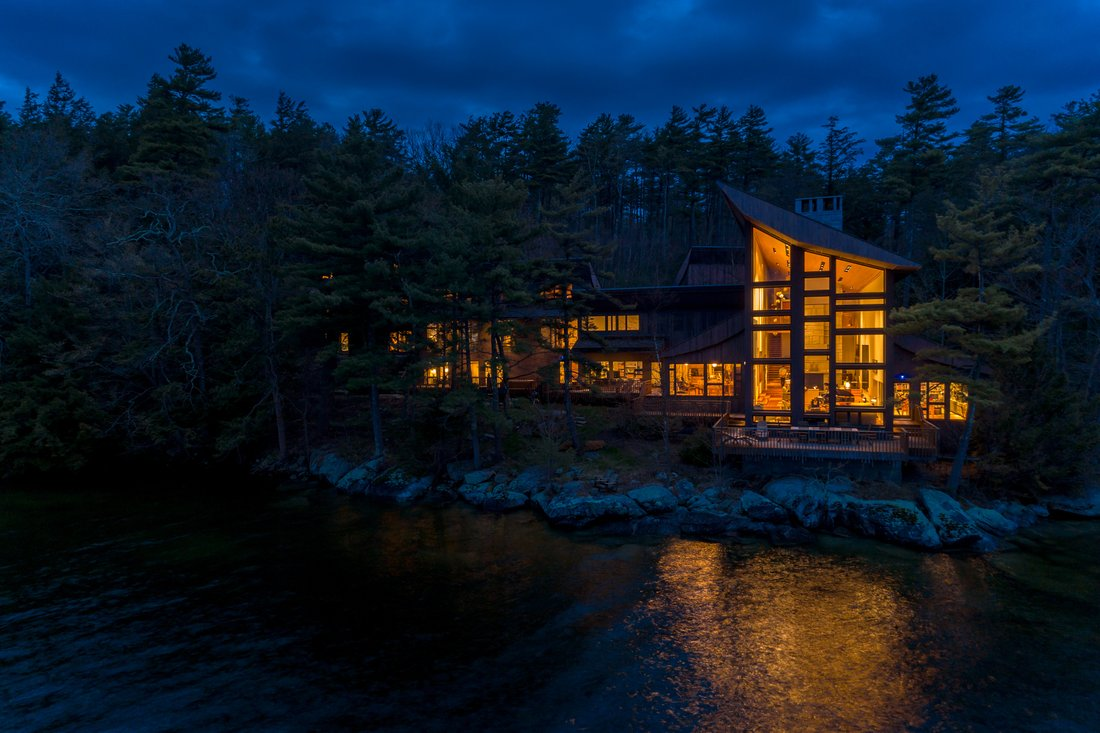 Luxury log homes for sale in Montana and Wyoming