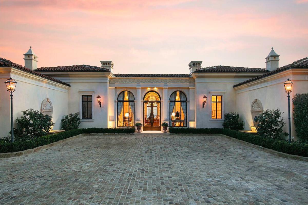 Modern Santa Barbara style architecture: architectural board of review.