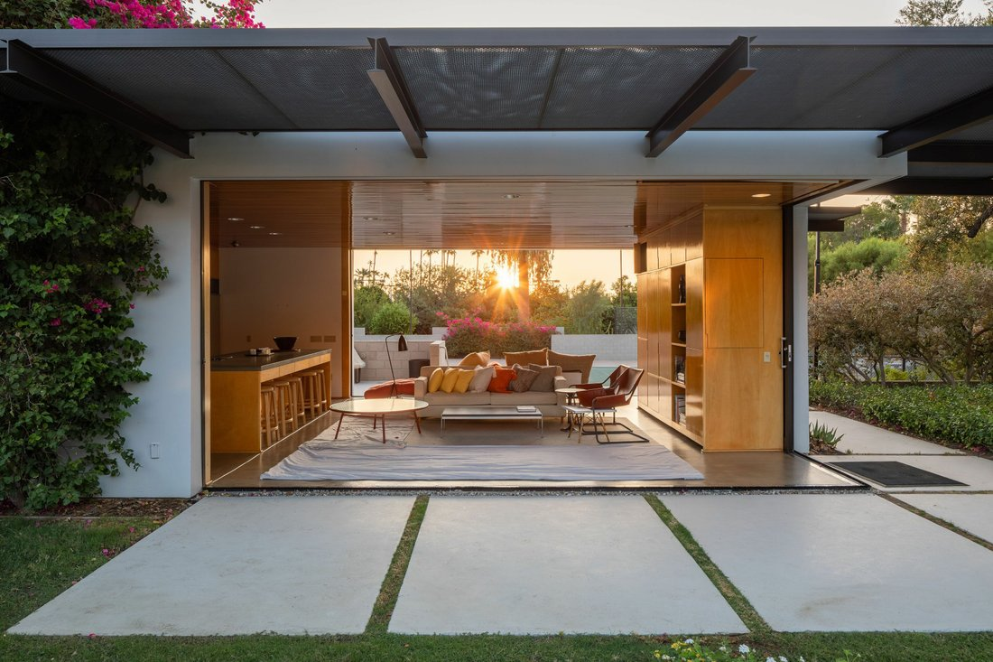 Kaufmann house in Palm Springs, case study.