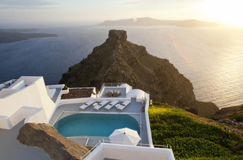 Post-Pandemic Travel: Top 10 Bespoke villas for rent in Greece for summer 2021 grand opening