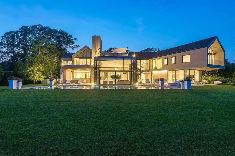 The biggest house in The Hamptons: a 12-bedroom beachfront mansions in Sagaponack for sale