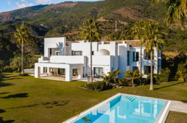 JamesEdition Trend Talks: Is the European Luxury Real Estate Market Stronger Than Ever?
