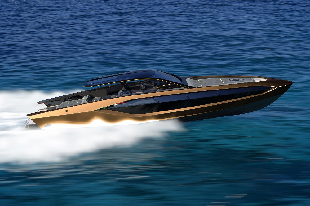 Lamborghini Riva SV speed boat and race boat with V12 engine: price, specs, owner, reviews.