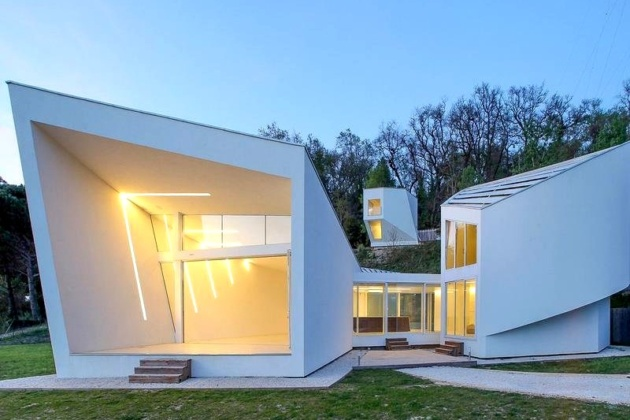 The best futuristic mansion