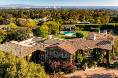 Boxing Legend Sugar Ray Leonard lists his L.A. mansion for $46,500,000