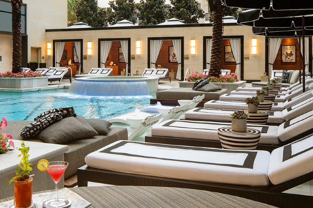 Pool-with-Cocktails
