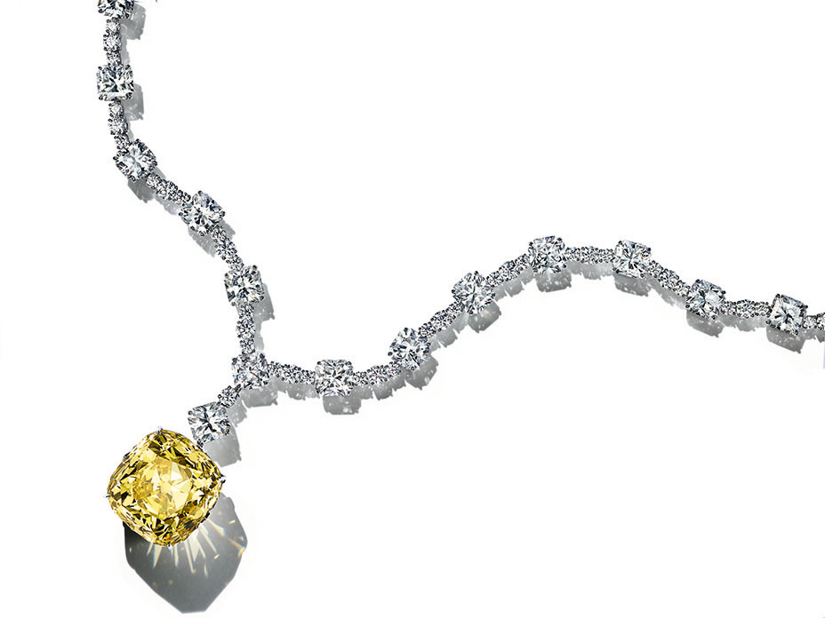 Do diamonds look better in white or yellow gold, and do yellow diamonds sparkle? What color diamond looks best with yellow gold?